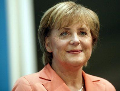 ROLAND KOCH - Merkel'e şok isyan!