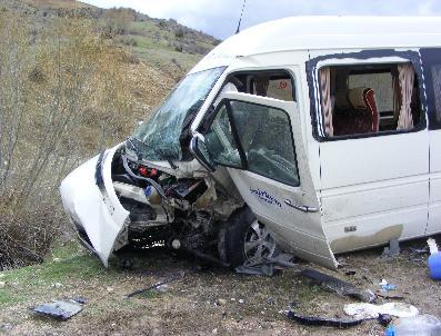 Trafik Kazası 1 Ölü 3 Ağır Yaralı