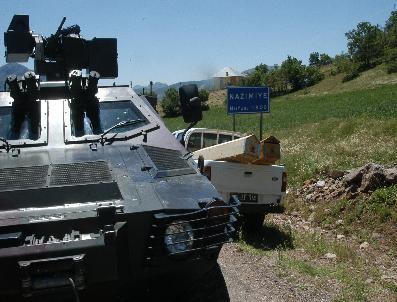 Tunceli'de Patlama İki Polis Sehit