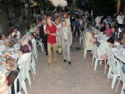 Ak Partili Kuzu, Gaziosmanpaşa`da Sokak İftarına Katıldı