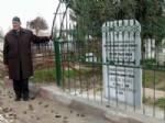 Yaşarken Mezar Taşına Ölüm Tarihini Yazdırdı