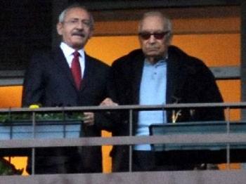 Yaşar Kemal ve Soner Yalçın'ı ziyaret etti