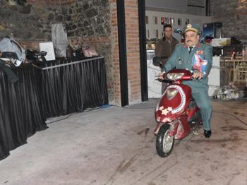 Bülent Serttaş Setin Ortasında Motosikletle Daldı