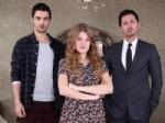 SEDA AKMAN - Alessandra Ambrosio İle Gizem Karaca'nın Reyting Kapışmasını Gizem Kazandı