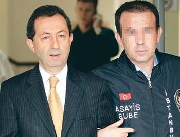 Amca Garipoğlu İsrail'e kaçtı