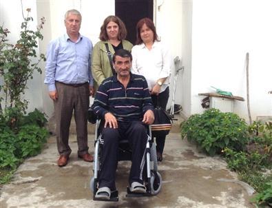 Başkan Bayram'ın Eşi Elka Bayram Engelilileri Sevindirdi