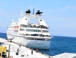 BECEL - Sezonun İlk Kruvaziyer Gemisi Çeşme'ye Yanaştı