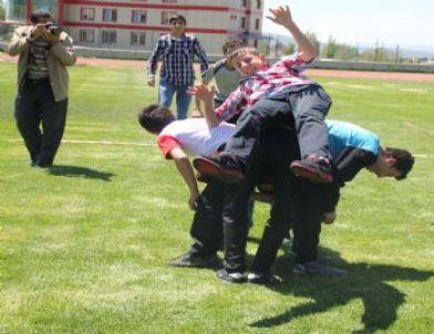 """Erzurum'da """"Dedenle Aşık Atar Mısın"""" Şenlikleri Düzenlendi"""
