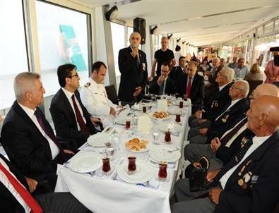 Karşıyaka'da Gurur Tablosu Oluştu