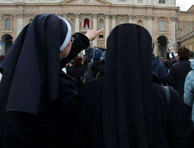 İtalya'da hamile rahibe şoku