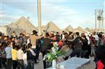 ACI KAHVE - Çadır Kentte Davullu Zurnalı Düğün Yapıldı