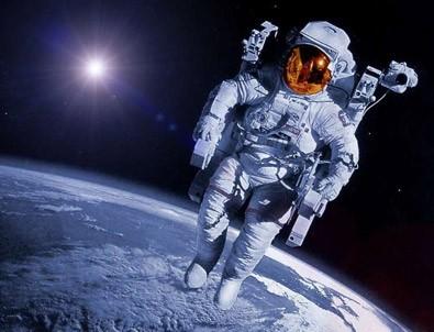 uzaydan canlı yayın!