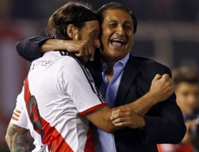 River Plate şampiyon hocasından istifa!