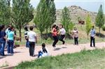 Yenifakılı'da Başarılı Öğrenciler Piknikle Ödüllendirildi