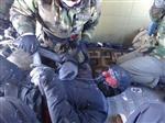 Yaylada Mahsur Kalan Elektrik Şirketi Çalışanları Helikopterle Kurtarıldı