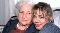 MINIK SERÇE - Sezen Aksu Annesini Yalnız Bırakmıyor