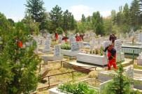 Konya'nın 31 İlçesinde Bakımsız Mezarlık Kalmadı