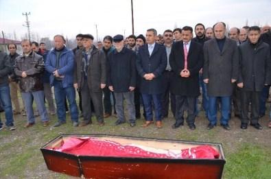 Iğdır Belediyesi Temizlik İşçisi Toprağa Verildi