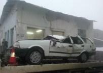 Otomobil Dereye Uçtu Açıklaması 1 Yaralı