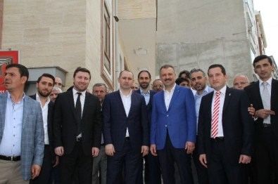 Ak Parti İstanbul Milletvekili Oktay Saral'a Esenlerde Sevgi Seli