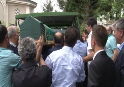 Cem Garipoğlu'nun Dedesi Son Yolculuğuna Uğurlandı