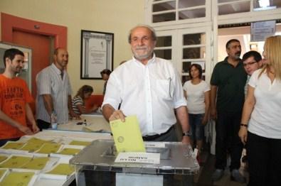 Ertuğrul Kürkçü Ve Pınar Aydınlar Oy Kullandı