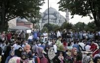 YAKUP KÖSE - Ayasofya Meydanı'nda ''Ümmet İftarı''
