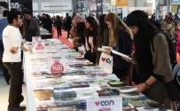 LEMAN DERGISI - Kitap Fuarında Genç Yazarlara Yoğun İlgi