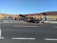 Traktör Otomobille Çarpıştı Açıklaması 1 Ölü, 2 Yaralı