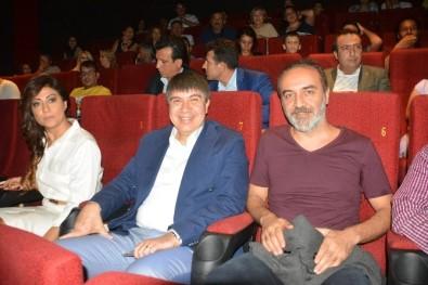 Yılmaz Erdoğan 'Ekşi Elmalar'ı Sinemaseverlerle Birlikte İzledi
