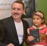 MAZOŞIST - Genç Yazar Kefeli Kitabını İmzaladı