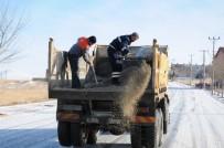 Kar Yağışı Yerini Şiddetli Tipiye Bıraktı