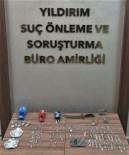 Bursa'da Polisten Kaçan Araçtan 140 Gram Uyuşturucu Çıktı