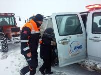Kar Nedeniyle Evinde Mahsur Kalan Hastayı AFAD Kurtardı