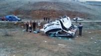 Adıyamanlı Hentbolcuları Taşıyan Minibüs Kaza Yaptı Açıklaması 1 Ölü, 12 Yaralı