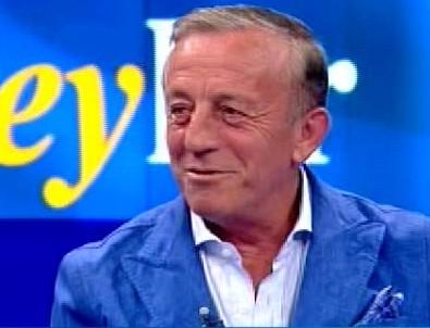 Ali Ağaoğlu cebindeki parayı canlı yayında saydı