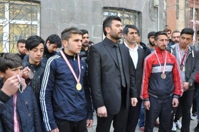 Kars'ta Kick Boksçulardan İlginç Protesto
