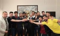 NIHAT MıZRAK - Üniversiteler Arası Futbol 1. Liginde DÜ'nün Başarısı