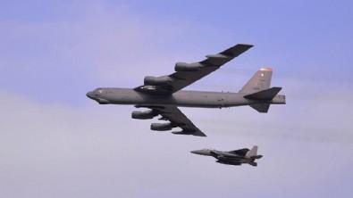 Guam Adası'nda ABD'nin B-52 bombardıman uçağı düştü
