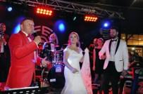ÇAĞLAYAN TOPALOĞLU - Mustafa Topaloğlu, Oğlunu Kuşadası'nda Evlendirdi