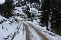 Isparta'da Mayıs Ayında Kar Sürprizi