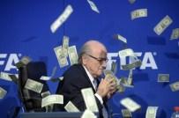 SEPP BLATTER - Eski FIFA Başkanı: Kuralarda hile var