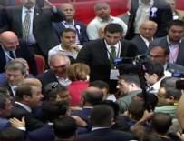 Akşener salona 'Başbakan Meral' sloganlarıyla girdi