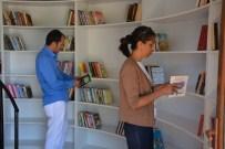 MURATHAN MUNGAN - Manavgat'ta 'Kitap Kafe'ye' Şiir Dinletili Açılış