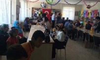 KAPLUMBAĞA TERBIYECISI - Kızılağaç'ta Renkli Yılsonu Sergisi