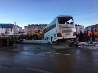 Konya'da öğrencileri taşıyan otobüs devrildi