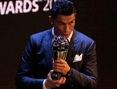 Yılın futbolcusu Ronaldo seçildi