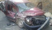 Artvin'de Trafik Kazası Açıklaması 4 Yaralı