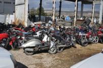 MUAMMA - Araçlar Otoparklarda Çürüyor