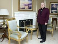 ACI KAHVE - Modacı Ahmet Özceyhan Atatürk'ün Gardırobunu Aralıyor